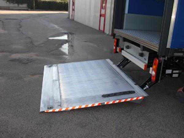 Preventivi-cilindri-per-sponde-idrauliche-Modena