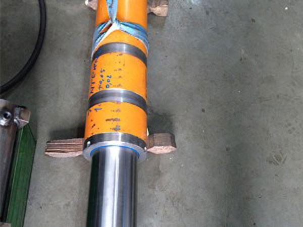 Riparazione-cilindri-idraulici--Reggio-Emilia