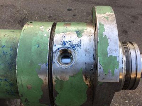 Vendita-guarnizioni-cilindri-escavatore-Brescia